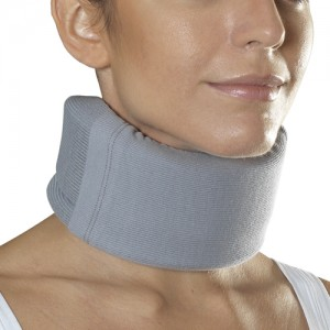 Low medium cervical collar - 1109